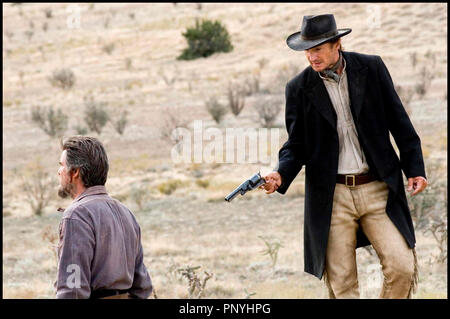 Prod DB © Icon Productions / DR SERAPHIM FALLS (SERAPHIM FALLS) de David Von Ancken 2006 USA  avec Pierce Brosnan et Liam Neeson western, revolver, execution - Stock Photo