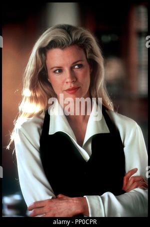 Prod DB © Warner Bros / DR SANG CHAUD POUR MEUTRE DE SANG FROID (FINAL ANALYSIS) de Phil Joanou 1992 USA avec Kim Basinger portrait - Stock Photo
