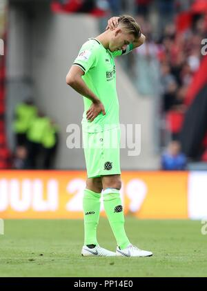 firo: 22.09.2018 Fuvuball, Football: 1.Bundesliga 1.FC Nvrnberg - Hanover 96, Waldemar Anton, Hannover, full figure, gesture, disappointment | usage worldwide - Stock Photo
