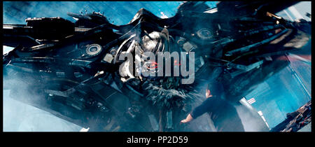 Prod DB © DreamWorks SKG - Paramount - Hasbro - Di Bonaventura Pictures / DR TRANSFORMERS 2 LA REVANCHE (TRANSFORMERS: REVENGE OF THE FALLEN) de Michael Bay 2009 USA sequelle, suite, robot autre titre: Transformers 2 (USA) (working title) - Stock Photo