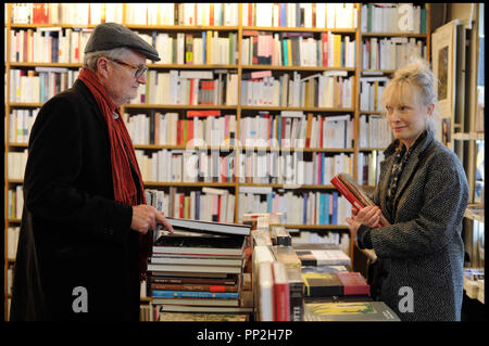 Prod DB © N. Dove - Film4 - Free Range Films - Le Bureau / DR UN WEEK-END A PARIS (LE WEEK-END) de Roger Michell 2013 GB avec Jim Broadbent et Lindsay Duncan librairie - Stock Photo