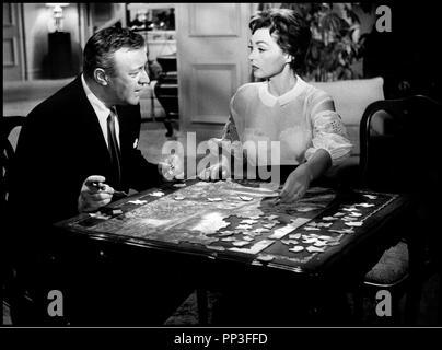 Prod DB © Paramount / DR LA VIE A BELLES DENTS (BUT NOT FOR ME) de Walter Lang 1959 USA avec Lee J. Cobb et Lilli Palmer puzzle, jouer, cigare - Stock Photo
