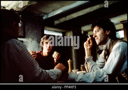 Prod DB © Handmade Films / DR WITHNAIL ET MOI (WITHNAIL & I) de Bruce Robinson 1987 GB repas, cigarette - Stock Photo