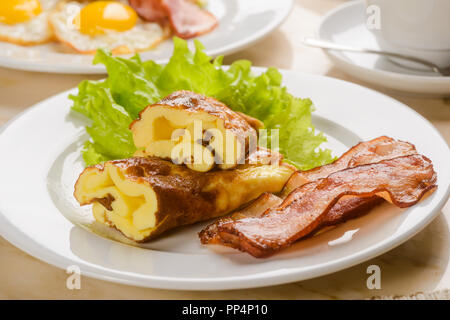 Omelet and lettuce - Stock Photo