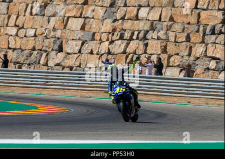 Alcaniz, Spain. Alcaniz, Spain. 23rd September 2018. Motorcycling MotoGP of Aragon, race day; Valentino Rossi (Movistar Yamaha MotoGP) waves to the fans after finishing in 8th Credit: Action Plus Sports Images/Alamy Live News Credit: Action Plus Sports Images/Alamy Live News - Stock Photo