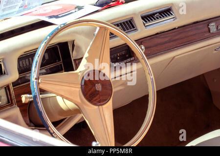oncept automobile : Oldtimer steering wheel - Stock Photo