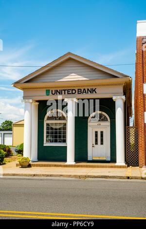 United Bank, 410 West Spotswood Trail, Elkton, Virginia - Stock Photo