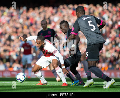 London, UK. 23rd Sep, 2018. Alexandre Lacazette (L) of Arsenal competes during the English Premier League match between Arsenal and Everton at the Emirates Stadium in London, Britain on Sept. 23, 2018. Arsenal won 2-0. Credit: Marek Dorcik/Xinhua/Alamy Live News - Stock Photo