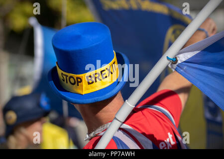 Liverpool, Merseyside, UK. 23rd Sept 2018. Labour Party Conference. Stop Brexit campaingers, supporters, delegates, waving Eu flags as people arrive at the echo arena, as the city stages its annual political event. Credit; MediaWorldImages/AlamyLiveNews. - Stock Photo