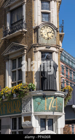 The Black Friar is a Grade II listed public house on Queen Victoria Street in Blackfriars, London. - Stock Photo
