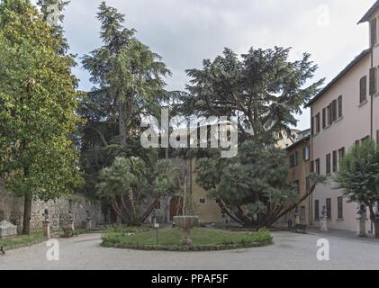 Italy Marche Ascoli Piceno courtyard - Stock Photo
