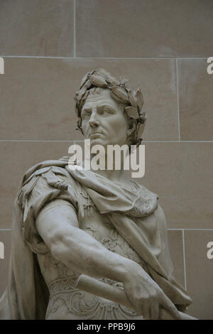 Gaius Julius Caesar (100-44 BC.) . Was a roman military and political leader.  Statue made by Nicolas Coustou (1658-1733).  Louvre Museum. Paris. Francia. Europa. - Stock Photo