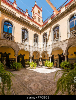 16th century palace, Moorish architecture, courtyard decorated with Roman mosaic, sculptures., Palacio de la Condesa de Lebrija - Stock Photo