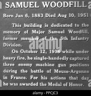 Plaque on Fort Polk, La. Headquarters, bldg 350, named for Medal of Honor winner Maj. Samuel Woodfill. - Stock Photo