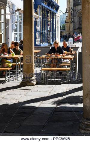 Pavement cafe, Abbey Churchyard, Bath Somerset, England, UK - Stock Photo