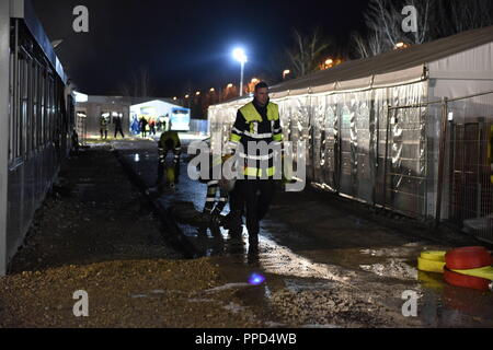 firefighters in a rescue operations following a serious road traffic stock photo 48806384 alamy. Black Bedroom Furniture Sets. Home Design Ideas