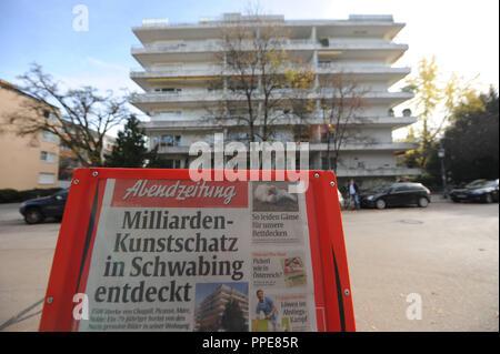 Art Fund in Munich Schwabing: Cornelius Gurlitt had his apartment on the 5th floor (on the right, blinds closed) on Arthur Kutscher-Platz 1 - Stock Photo