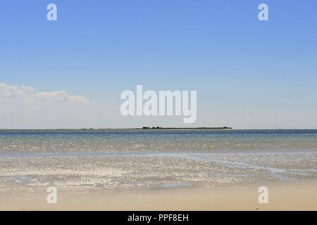 The waterfront from the island Juist and the view above the North Sea to the East Frisian Island Memmert on the horizon, 28 June 2018 | usage worldwide - Stock Photo