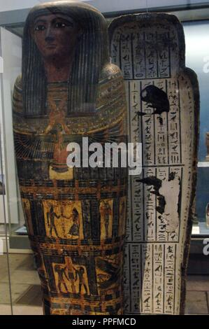 Interior painted wooden coffin of the priest Hor depicting the sky goddess Nut with their protective wings outstretched at the front part. The interior is covered with excerpts from the Book of the Dead. 7th century BC. 25th Dynasty. Late Period. From the tomb of Hor. Probably from Deir el-Bahari, Thebes (Egypt). British Museum. London. United Kingdom. - Stock Photo