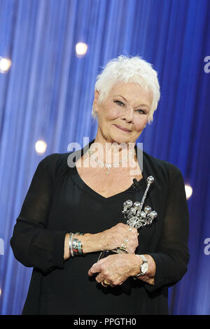 San Sebastian, Spain. 25th Sep, 2018. JUDI DENCH receives Donostia Award during the 66th San Sebastian International Film Festival at Kursaal Palace. Credit: Jack Abuin/ZUMA Wire/Alamy Live News - Stock Photo