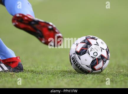 firo: 25.09.2018 Fuvuball, Football: 1.Bundesliga FC Bayern Munich - FC Augsburg, Derbystar, Ball, Feature, General, | usage worldwide - Stock Photo