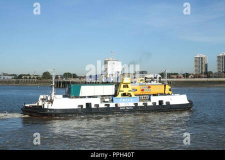 London, UK. 26th September 2018: TFL to close the Woolwich ferry  from 6th October 2018 until late December for pier improvement works. The Woolwich ferry carries hundreds of cars, trucks, cyclists and pedestrians over the river every day. Credit: Claire Doherty/Alamy Live News - Stock Photo