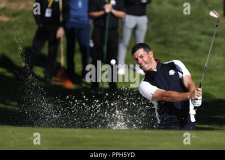 Versailles, France. 26th Sep, 2018. English Rory Mcilroy, member of the European team for the Ryder Cup 2018, in action during a practice session at The Golf National in Guyancourt, near Paris, France, 25 September 2018. The Ryder Cup 2018 runs from 25 to 30 September. Credit: Luis Tejido/EFE/Alamy Live News - Stock Photo