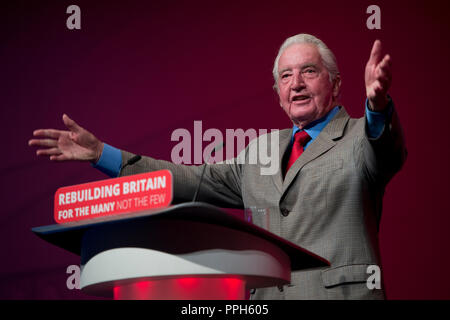 Liverpool, UK. 26th September 2018. Dennis Skinner, Labour MP for Bolsover speaks at the Labour Party Conference in Liverpool. © Russell Hart/Alamy Live News. - Stock Photo