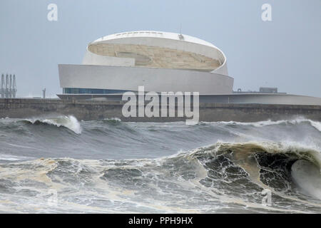 Matosinhos, Porto - February 2, 2017: New cruise terminal of Leixoes harbor, recognized by the daring architecture, north of Portugal. - Stock Photo
