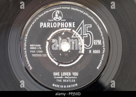 45 single track record on Parlophone label. The Beatles, 'She loves You' by Lennon and McCartney. 1963 R5055 - Stock Photo