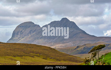 SUILVEN SUTHERLAND SCOTLAND THE MOUNTAIN IN AUTUMN - Stock Photo