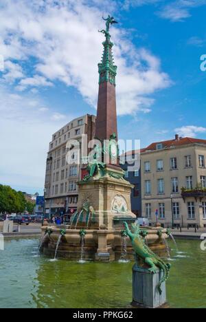 Fontein van Anspach, Marche aux Poissons, Quai aux Briques, Quays District, Brussels, Belgium - Stock Photo