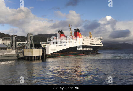 THE LOCH SEAFORTH CALEDONIAN MACBRAYNE FERRY DOCKING AT ULLAPOOL SCOTLAND RE FERRIES ISLANDS TOURISM TOURISTS SCOTTISH ISLAND HOPPING HEBRIDES UK - Stock Photo