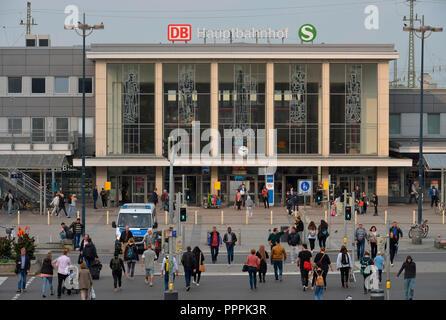 Hauptbahnhof, Koenigswall, Dortmund, Nordrhein-Westfalen, Deutschland, Königswall - Stock Photo
