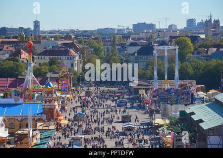 Auf dem Oktoberfest in München, Bayern, im September 2018 - Stock Photo