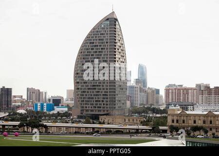 Baku, Azerbaijan. 27th Sep, 2018. BAKU, AZERBAIJAN - SEPTEMBER 27, 2018: A view of the Trump Tower Baku. Valery Sharifulin/TASS Credit: ITAR-TASS News Agency/Alamy Live News - Stock Photo