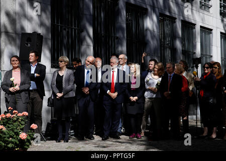 Brussels, Belgium. 27th Sep. 2018. British Labour Party leader Jeremy Corbyn takes part in the inauguration of a square named after Jo Cox, a British Labour MP who was killed in 2016. Alexandros Michailidis/Alamy Live News - Stock Photo