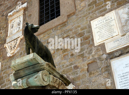 The Roman she-wolf with Romulus and Romus in front of the Tabularium in Rome. - Stock Photo