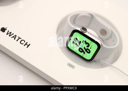 Moscow, Russia. 28th Sep, 2018. MOSCOW, RUSSIA - SEPTEMBER 28, 2018: Apple Watch S4 Nike  at a re:Store shop in Tverskaya Street. Anton Novoderezhkin/TASS Credit: ITAR-TASS News Agency/Alamy Live News - Stock Photo
