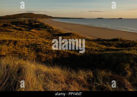 Gower Peninsula, Swansea, UK Weather. 27th September 2018.  Clear conditions with a nip in the air at Broughton Burrows overlooking Rhossili Bay on the Gower peninsula, Swansea, Wales, Credit: Gareth Llewelyn/Alamy Live News. - Stock Photo