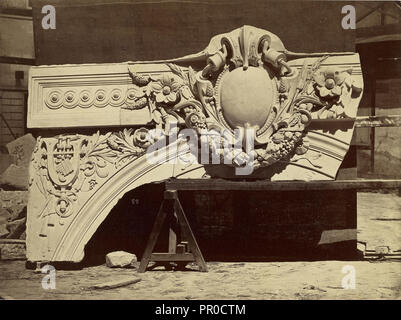 Clef et tympan de la base du vestibule du controle; Louis-Émile Durandelle, French, 1839 - 1917, Paris, France; about 1875 - Stock Photo