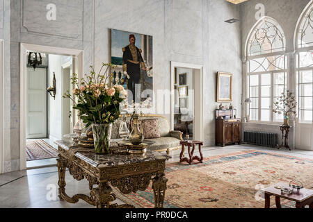 19th century French gilt table and sofa, with portrait of  Egyptian naval commander - Stock Photo
