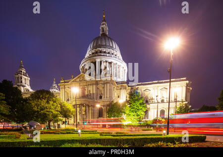 St. Paul's Cathedral and a London bus, London, England, United Kingdom, Europe - Stock Photo