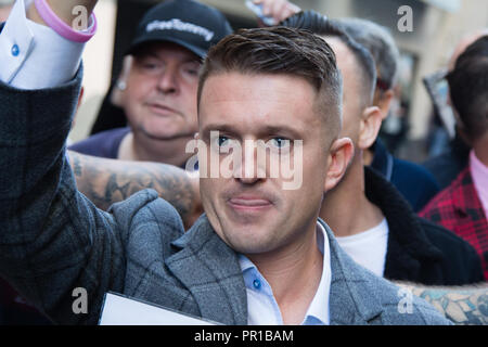 London Uk 27th September 2018 Tommy Robinson arrives at the Old Bailey for a retrial on charges of contempt. - Stock Photo