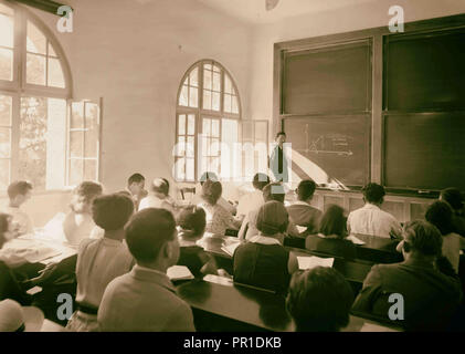 Zionist activities in Palestine. The Hebrew University. Class in mathematics. Einstein Institute. 1925, Jerusalem - Stock Photo