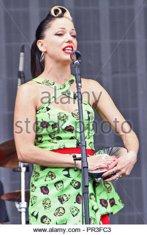 Imelda May at V Festival at Weston Park, Stafford - day two on sunday 23 August 2015 - Stock Photo