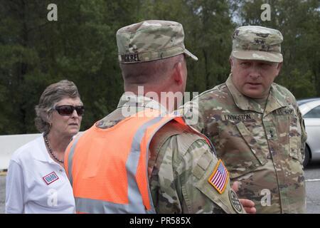 U.S. Army Maj. Gen. Robert Livingston, adjutant general for South Carolina, and his wife Barbara Livingston, a United Service Organizations - Stock Photo