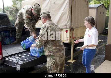 U.S. Army Maj. Gen. Robert Livingston, adjutant general for South Carolina, and wife Barbara Livingston, a United Service Organizations - Stock Photo