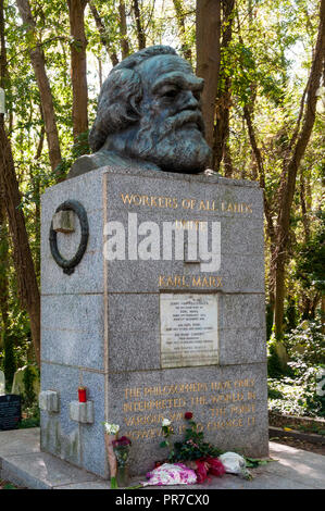 The grave of Karl Marx in Highgate Cemetery, London. - Stock Photo
