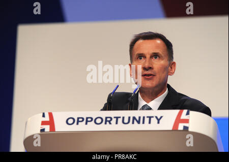 Birmingham, UK. 30th September, 2018.  Jeremy Hunt MP, Secretary of State for Foreign and Commonwealth Affairs, delivers his speech to conference on the opening session of the first day of the Conservative Party annual conference at the ICC.  Kevin Hayes/Alamy Live News - Stock Photo